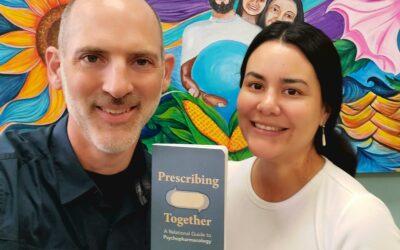 Mira el nuevo libro de nuestros psiquiatras Drs. Cecilia Ordóñez y Luke Smith